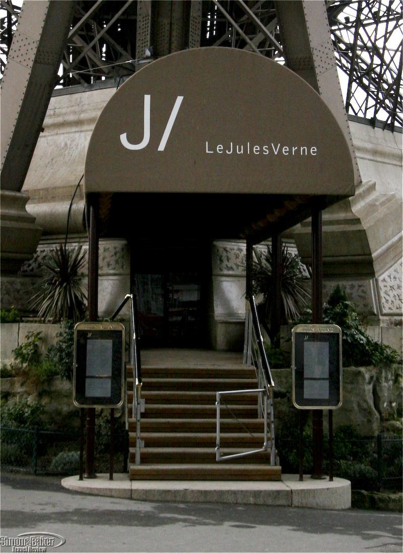 Le jules verne simon and baker travel review inc - Restaurante julio verne ...