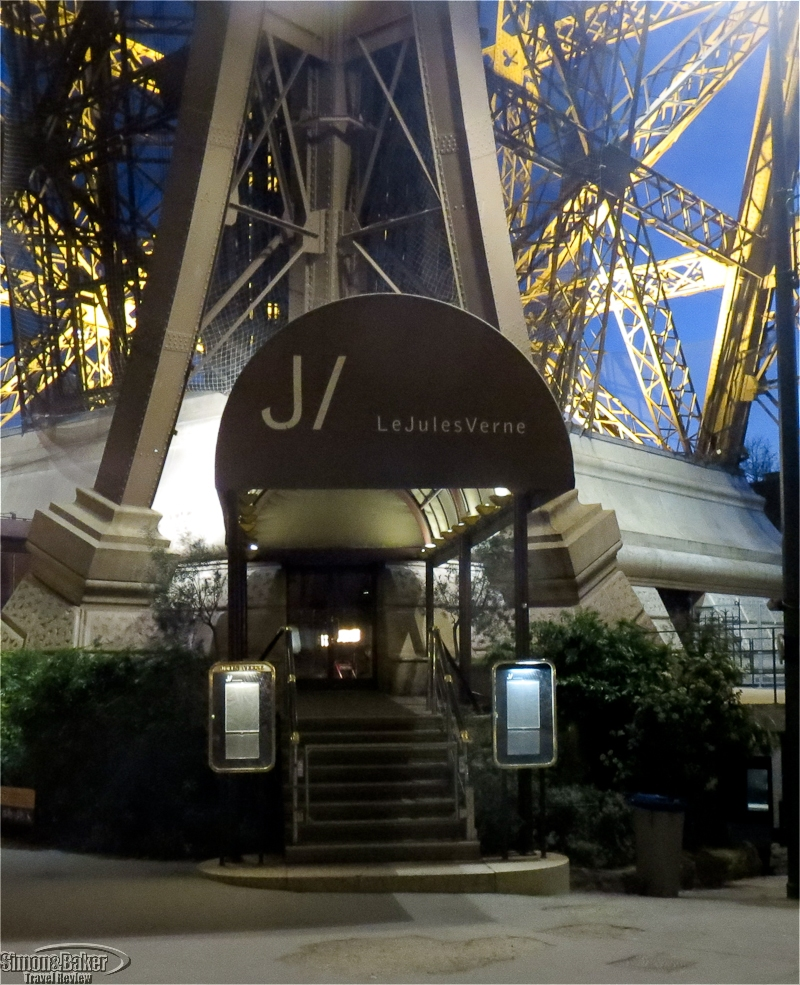 Jules Vernes Paris Restaurant Reservation