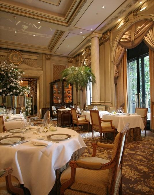 Le Cinq Restaurant, Paris, France